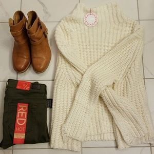 Umgee distressed sweater